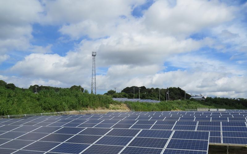 スペースソーラー茨城・加賀地発電所(900kW)
